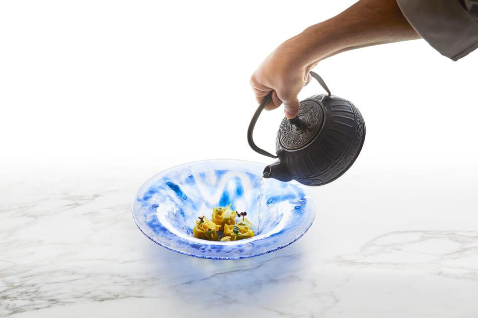 Gyoza di gallina al vapore, ricetta dell'Iyo di Milano